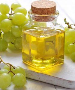 Grape-seed-oil-skin-benefits